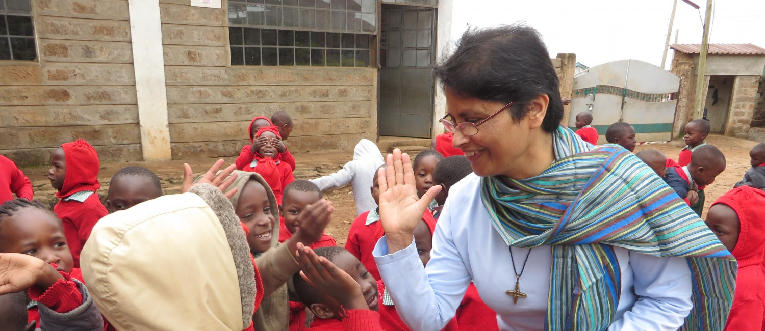 PASTORAL WORK _ Lissy with Children in Star of Hope, Nairobi IMG_2596