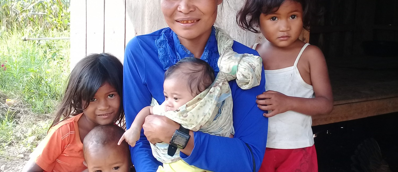 PHI Mother raising 4 children